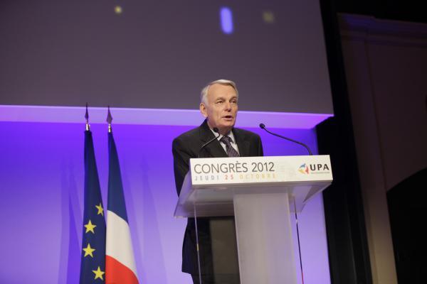 Le Premier Ministre Jean-Marc Ayrault au congrès du 25 octobre 2012